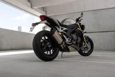 Speed-Triple-1200-RS---Hero-Static-8