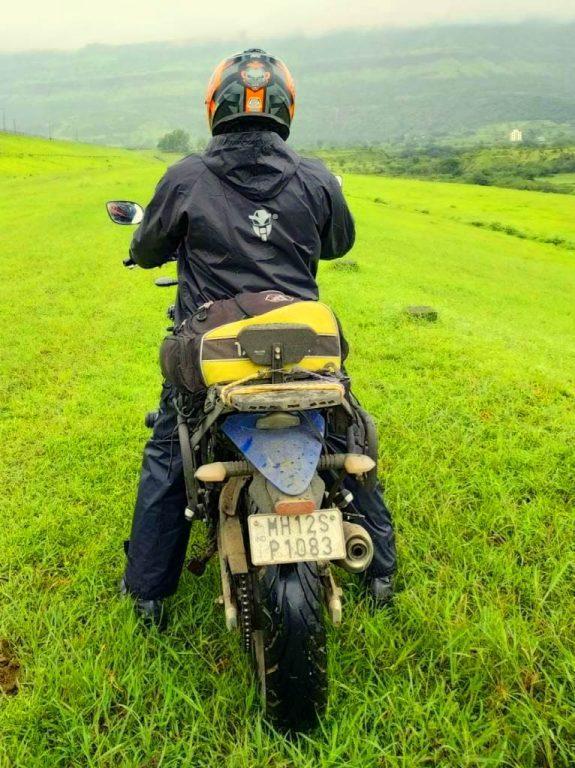 MotoTech Hurricane Rain Overjacket rear view