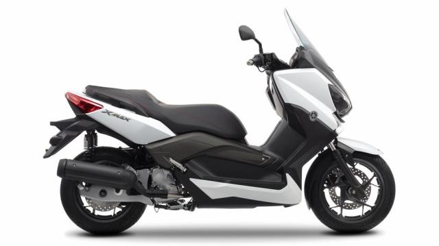 6-2014-Yamaha-XMAX-125-ABS-EU-Absolute-White-Studio-002