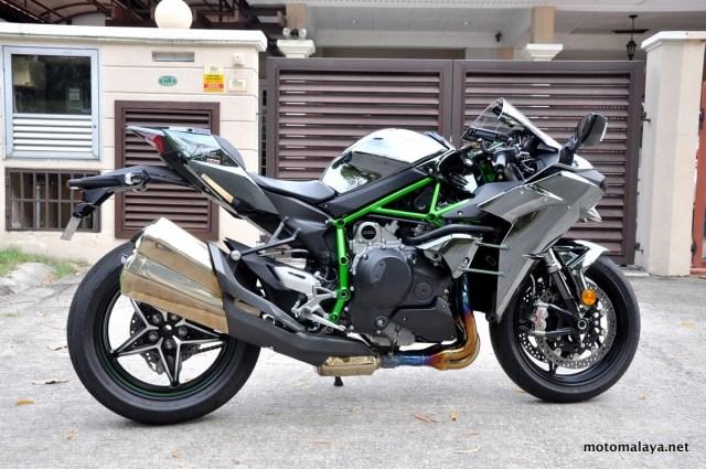 Kawasaki-H2-close-up-001