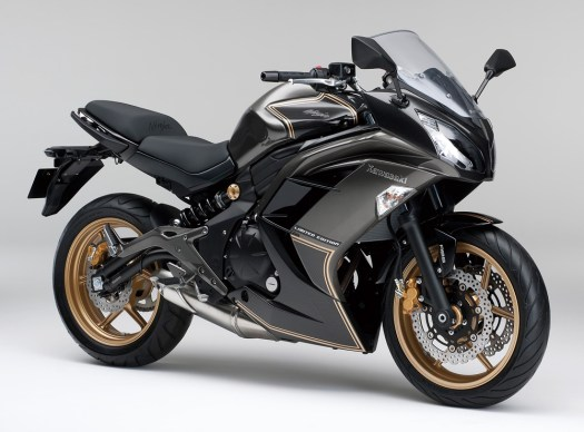 2015-Kawasaki-Ninja-400-LimitedEdition