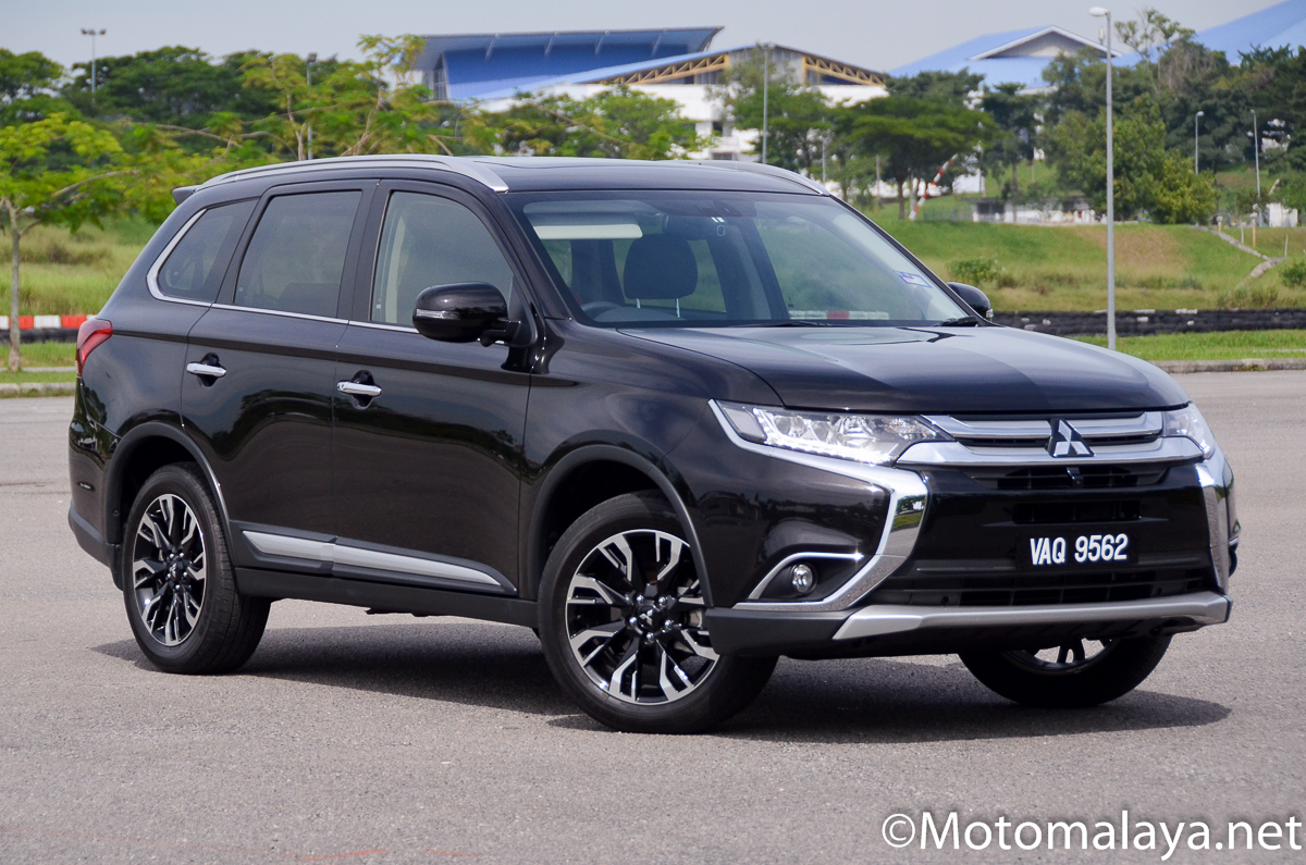 pandu uji 2018 mitsubishi outlander 2 4 ckd berita dunia permotoran. Black Bedroom Furniture Sets. Home Design Ideas