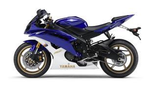 2012-Yamaha-YZF-R6-EU-Yamaha-Blue-Studio-006