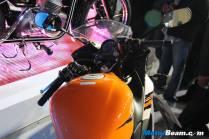2012_Honda_CBR150R_09