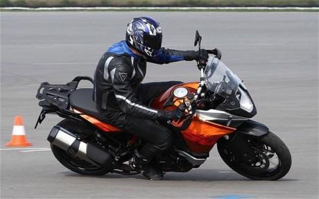 KTM-1190-Adventure_2711373b