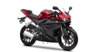 2014-Yamaha-YZF-R125-EU-Anodized-Red-Studio-001(1)