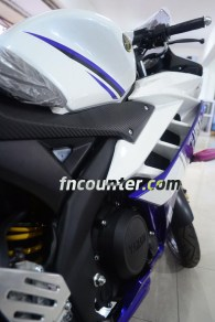 Yamaha YZF-R15, Side Fairing