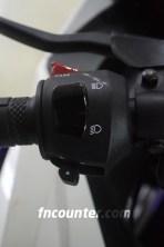 Yamaha YZF-R15, Panel Kiri