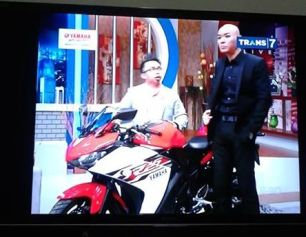 R25-on-tv-commercial-3