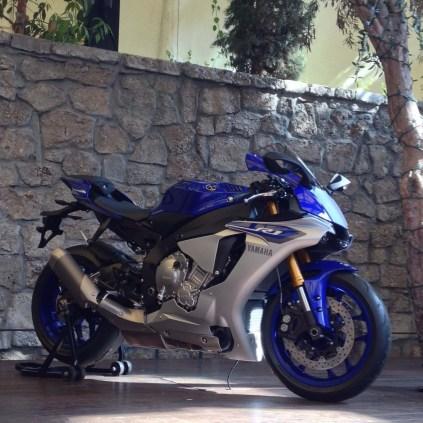 2015-Yamaha-R1_5