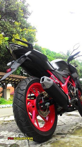 New CB150R SE Raptor Black 3