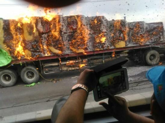 Kebakaran Truk Flyover Lawang 1