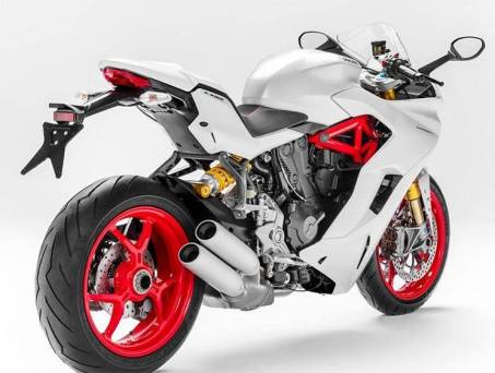 2017-ducati-supersport-939-1