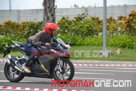 test-ride-cbr250rr-4