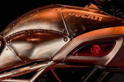 Ducati-Diavel-Diesel-14