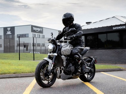 Triumph-Tident 2021 MotomaxoneBlog (1)