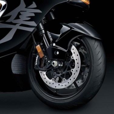 2022-Suzuki-Hayabusa-details-21-scaled-1