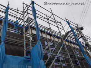 一条工務店屋根仕舞完了 横から見る