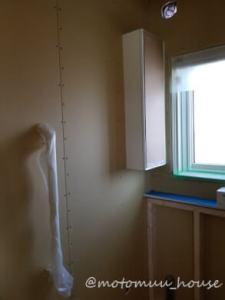 上棟23日目トイレ棚と手すり