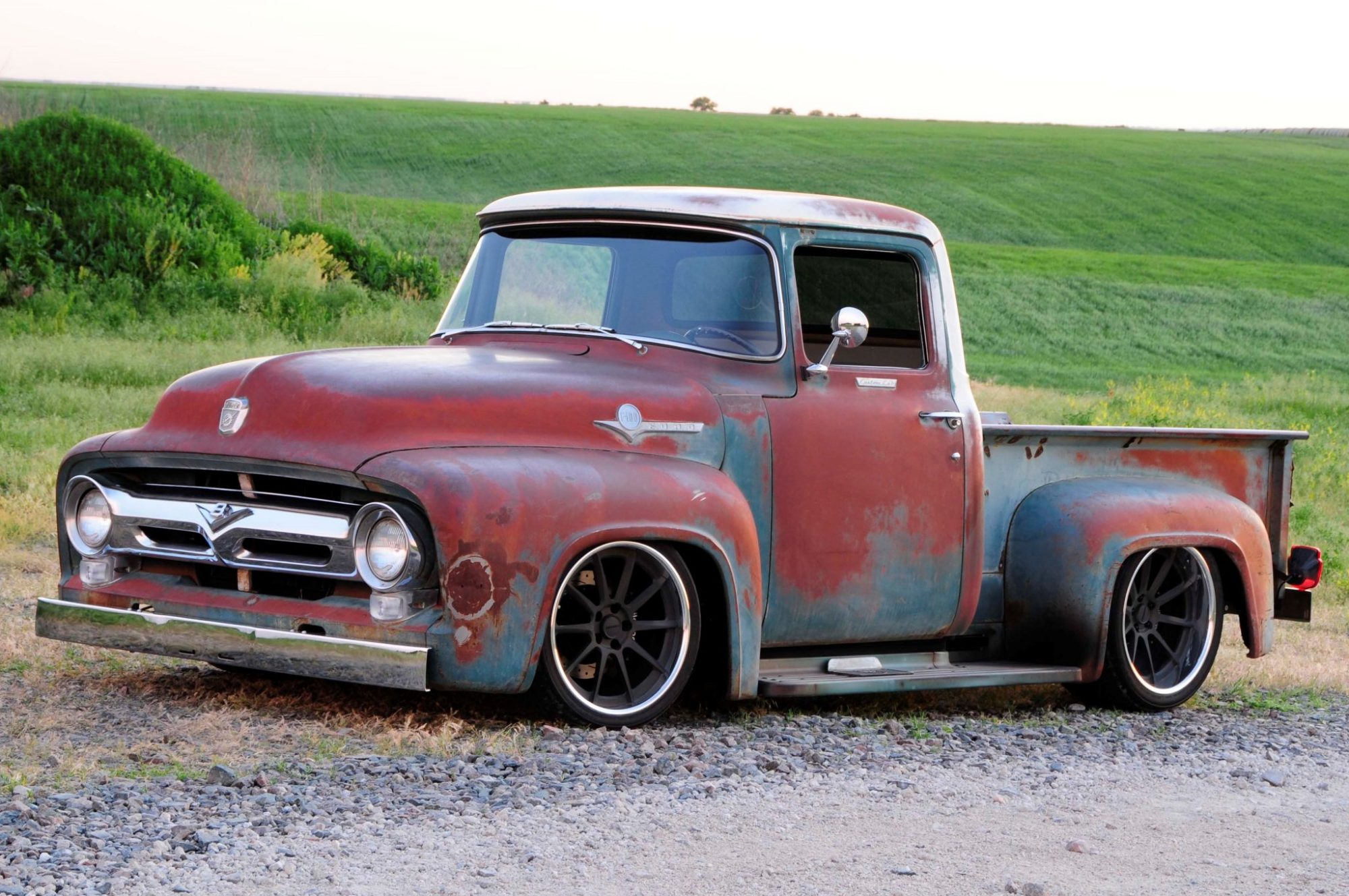 hight resolution of 1956 ford f 100 that looks like a rundown old pickup truck but isn t moto networks