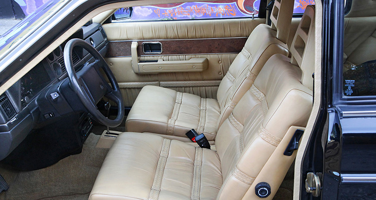 bowie volvo 262c auction interior