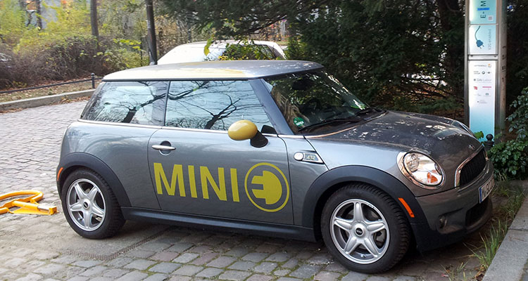 mini e-electric side