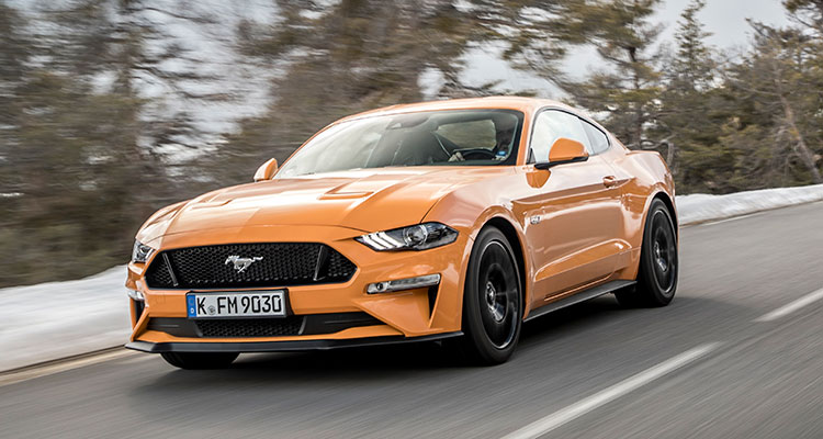 Ford Mustang orange front