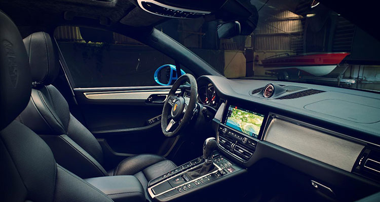 Porsche Macan revealed interior 1