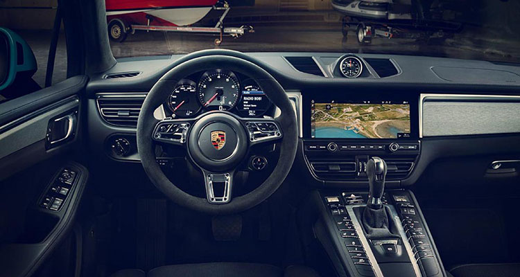 Porsche Macan revealed interior 2
