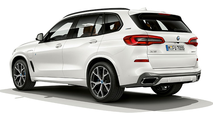BMW X5 xDrive45e iPerformance exterior side rear 1