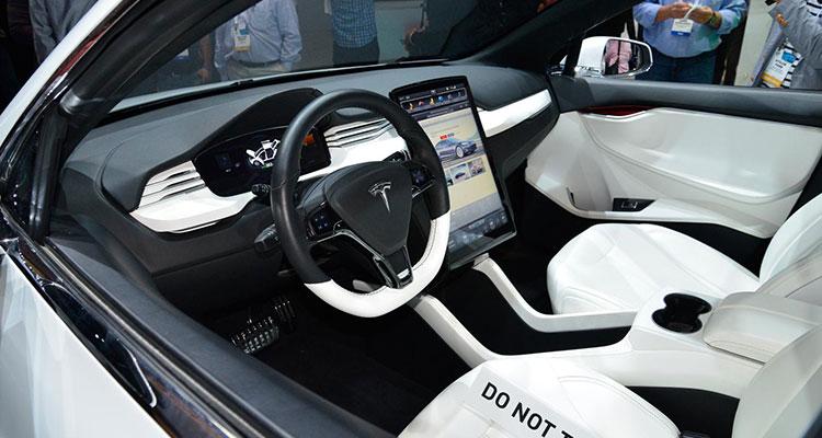 Mercedes EQC Better Than Tesla's Model X 7
