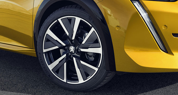 Peugeot 208 Hatchback wheel 10