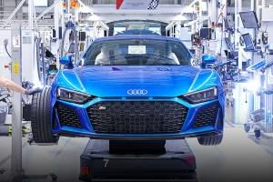 Audi R8 PI V10 feature