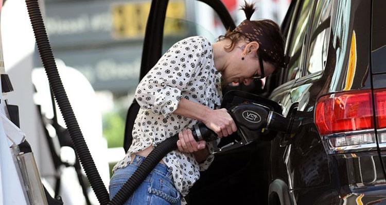 Lena Headey Game of Thrones car