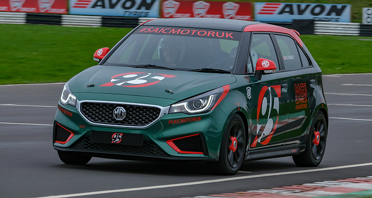 Low-cost MG3 Racer debut 3