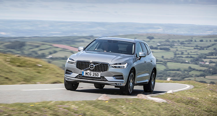New Volvo XC60 front side (2)