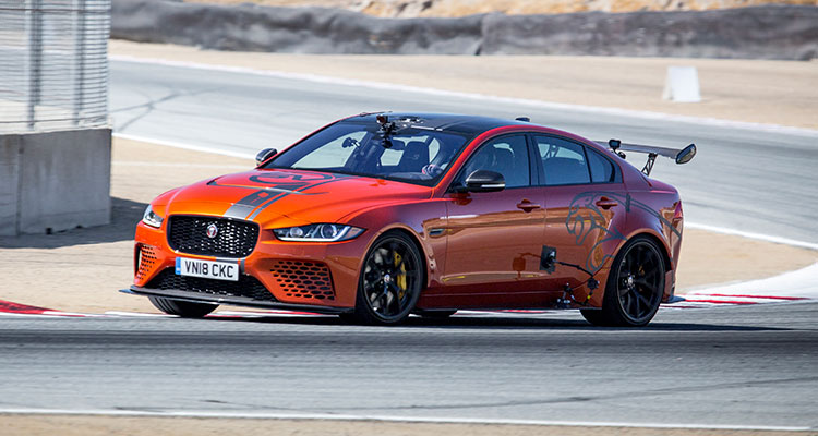 Jaguar XE SV Project 8 (1)