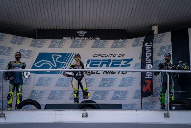 Paquita Ruíz, ganadora de la Copa Yamaha R6