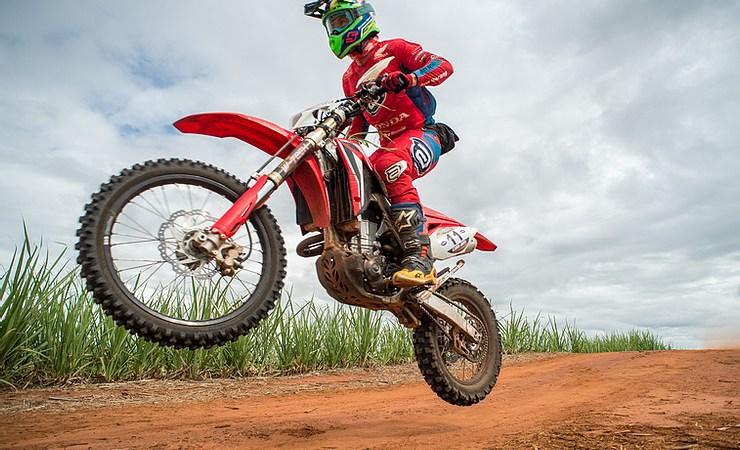 Bissinho Zavatti é campeão Brasileiro de Rally Baja