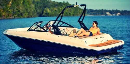 2020 Bayliner VR4 Bowrider Features