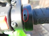 Indicator light on R/H grip