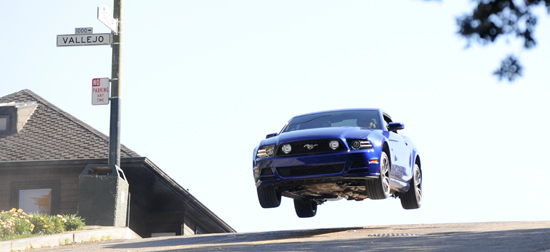 Fox Recreates Bullitt Mustang Chase with 2013 Mustang GT and Dodge Charger