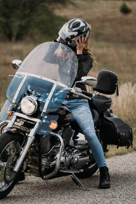 Why Should Wearing A Helmet When Motorcycling : should, wearing, helmet, motorcycling, Should, Woman, Motorcycle?, Motorcycle, Habit