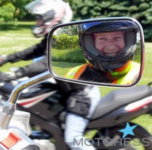 Woman Rider on MOTORESS