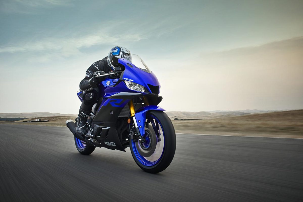 Yamaha R3 2019, con aires de superdeportiva