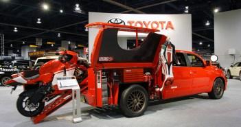 Toyota Pickup Truck voor Ducati Desmosedici RR