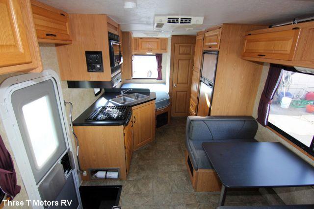2007 Four Winds Majestic 23a Class C Motorhome Class C