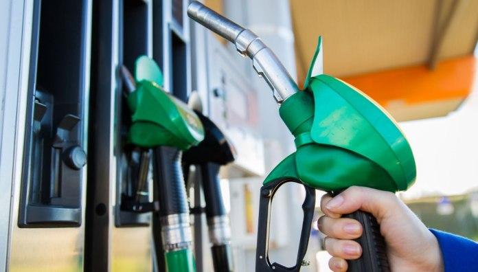 I prezzi del carburante aumentano ancora: stangata per le famiglie