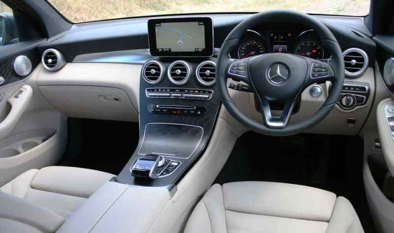 2016_mercedes_benz_glc_interior