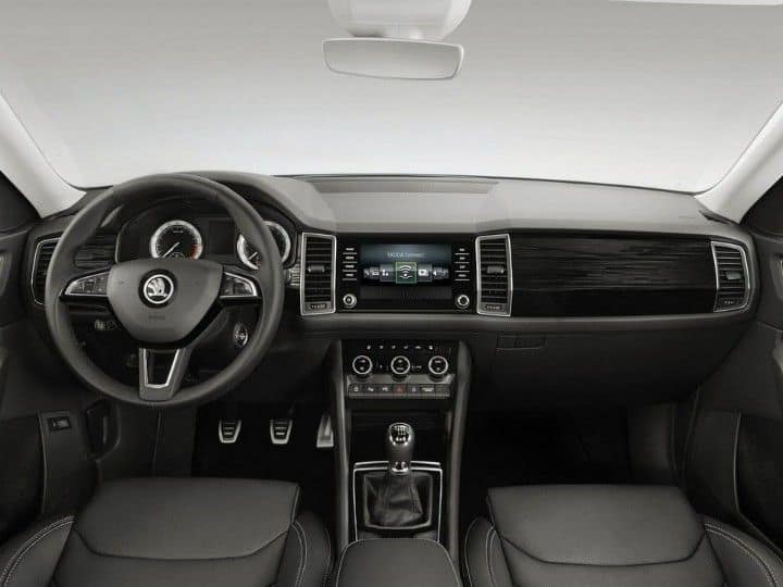 inside-kodiaq-motoringjunction